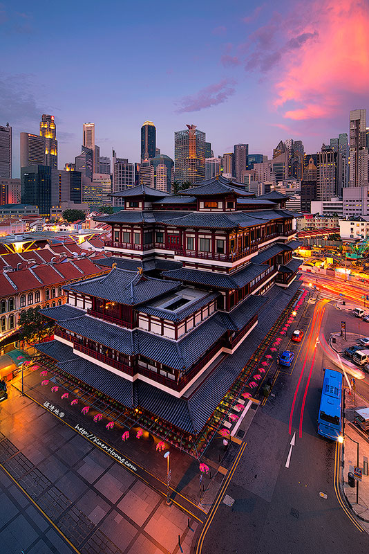 Buddha Tooth Relic Temple & Museum at Chinatown, Singapore